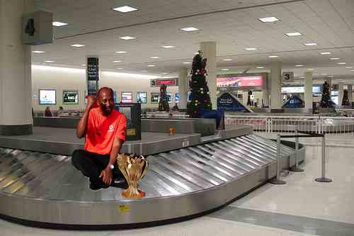 Anthony Hamilton baggage carousel