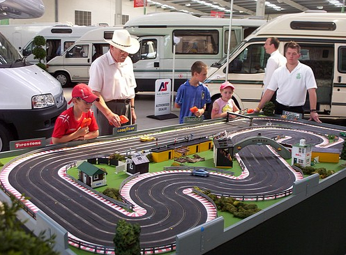 Scalextric better than F3, say FIA