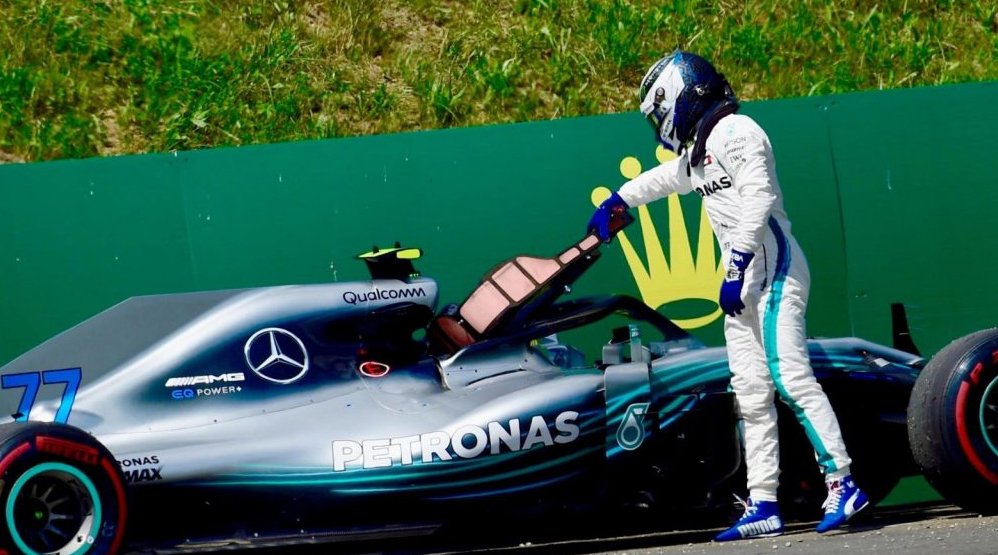 Valtteri Bottas bad luck retires