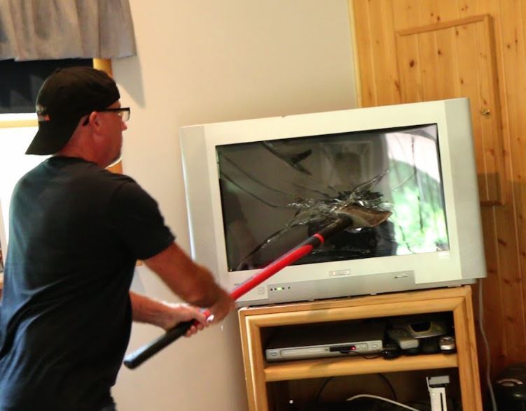 man smashes tv after F1 UK TV deal announced
